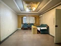 市委一宿舍。黄金楼层。三室向阳。附小十三中。